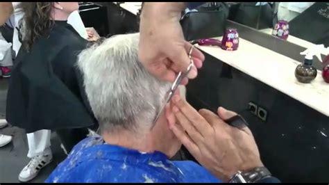 corte de pelo con tijera para caballero corte de cabello para hombres cl 225 sico a tijera youtube