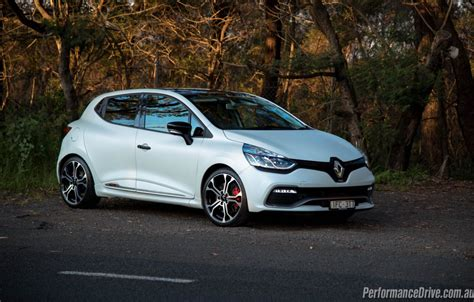 renault clio rs renault clio r s 220 trophy review video performancedrive