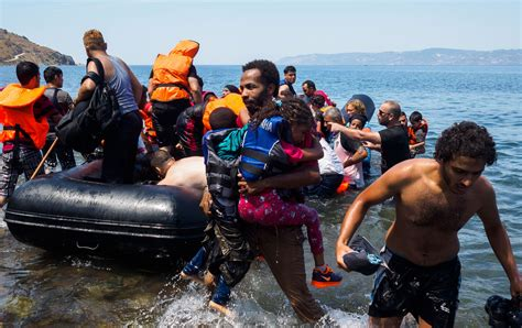 refugee boat crisis this is what greece s refugee crisis really looks like
