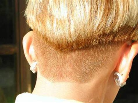 ladies haircut weight line hairxstatic short back cropped gallery 1 of 3