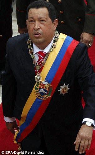 hugo chavez biography in spanish venezuelan leader hugo chavez in a coma only kept alive