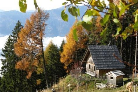 kleine selbstversorgerhütte urige selbstversorgerh 252 tte ein kleinod mit seeblick