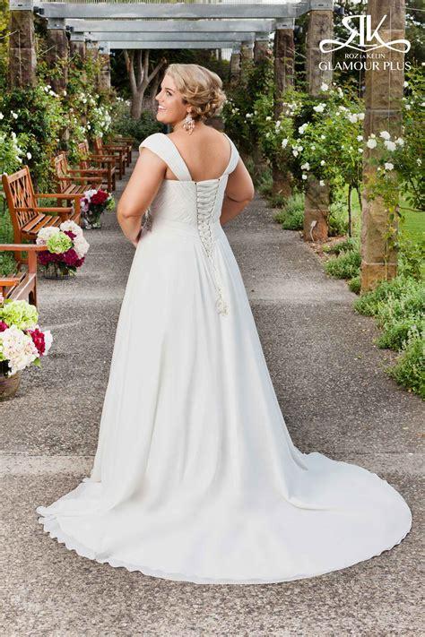 10 plus size wedding dress designers by pretty pear bride