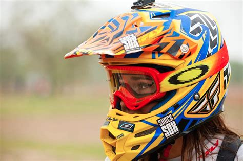 ladies motocross this rides with one arm moto related