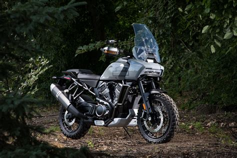 New Harley Davidson Motorcycles by Cnw Harley Davidson Accelerates Strategy To Build Next