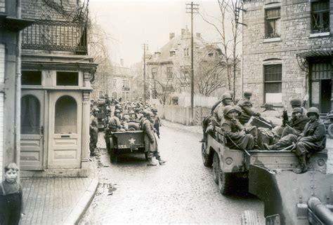 film balap mobil perang chatillon kuburan massal mobil era perang dunia ii foto