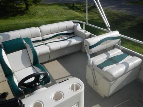 bass tracker pontoon boat replacement seats best 25 pontoon boat seats ideas on pinterest boat