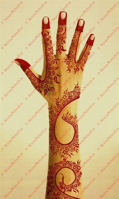 henna design in dubai a simple and classy dubai styled mehndi design has pretty