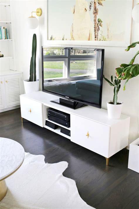 Meja Tv Putih model pilihan meja tv minimalis putih furniture ruang