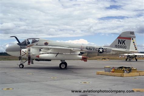 a 6 intruder units 1974 96 the aviation photo company a 6 intruder grumman us navy va 196 grumman a 6a intruder