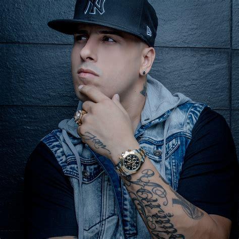 imagenes de nike yan premios billboard 2015 nicky jam nominado a latin rhythm