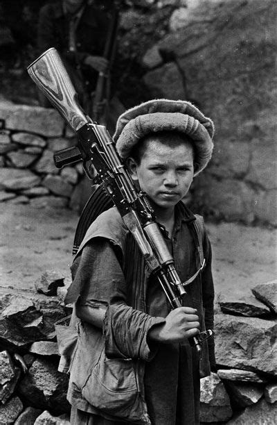 steve mccurry afghanistan fo 3836569361 17 best images about child soldiers on civil wars soldiers and children