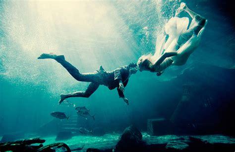 Underwater Wedding Photos – 15 Underwater Wedding and Engagement Photos That Are