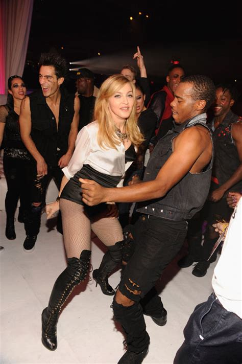Are Madonna A Contest by Madonna Holds A Contest For A Backing Dancer