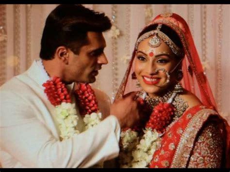 Bipasha Basu Wardrobe by Bipasha Basu Karan Singh Grover Are Finally Married We