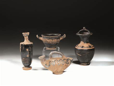 vasi egizi quattro vasi greco cani asta reperti archeologici
