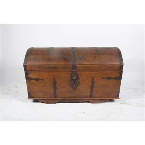 late   ornate seamens chesttrunk vintique