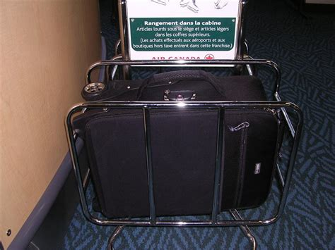 united checked bag airline carry on baggage size