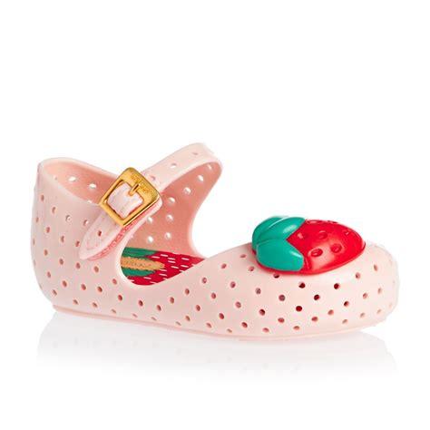 mini baby shoes mini mini furadinha strawberry shoes baby pink