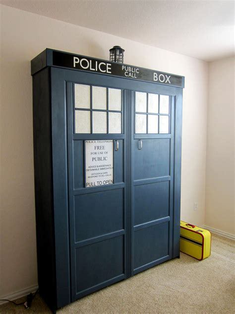 this tardis fold down bed is the bed of my dreams pics how to make tardis murphy bed diy crafts handimania