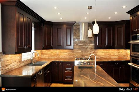 stone veneer kitchen backsplash kitchen backsplash clad in erthcoverins tivoli strips