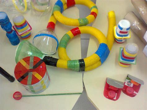 imagenes de instrumentos musicales resiclados rosely pignataro instrumentos musicais reciclados
