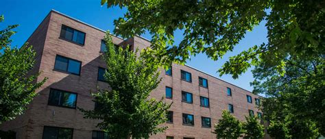 uwec housing governors hall university of wisconsin eau claire