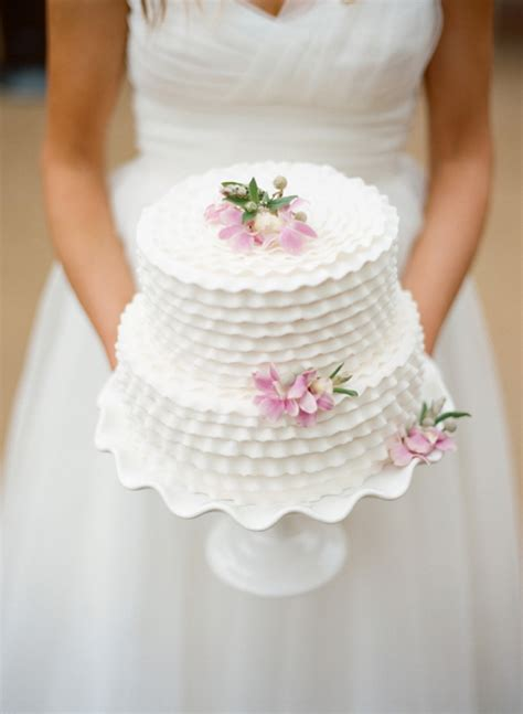 Wedding Cake Hacks by 9 Wedding Hacks You Absolutely Need To Huffpost