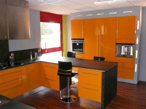 15 mod 232 les de cuisine design italien sign 233 s cucinelube modele de cuisine americaine maison design bahbe
