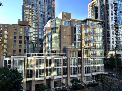 Apartment Hotel Bc Exterior Photo Of Apartment Hotel 910 Avenue