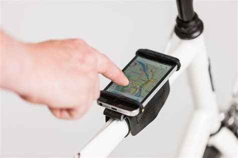 phone holder for bike thebeebeco bicycle smartphone holder the beebe company