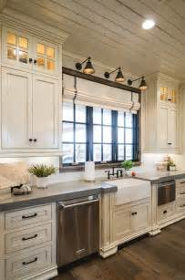 pictures of country kitchens with white cabinets 25 best ideas about farmhouse kitchen cabinets on