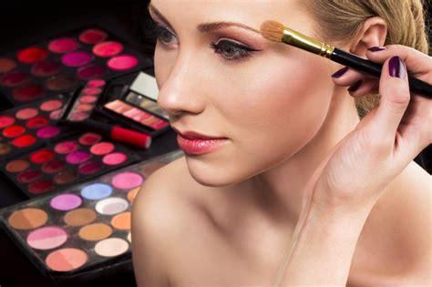 Eyeshadow Dan Eyeliner sejarah dan perkembangan make up dari masa ke masa hobbies