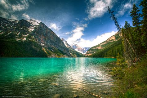 green wallpaper canada download wallpaper serene lake louise alberta canada