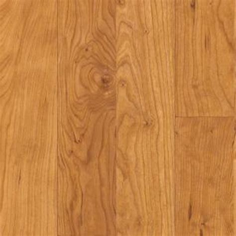 Shaw Flooring Laminate Shaw Collection Ii Cherry Laminate Flooring 5 In X 7 In Take Home Sle Sh