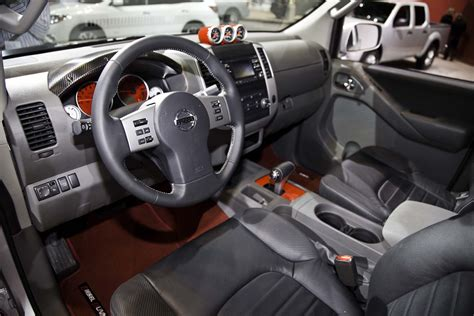 nissan frontier interior 2014 nissan frontier reviews and rating motor trend