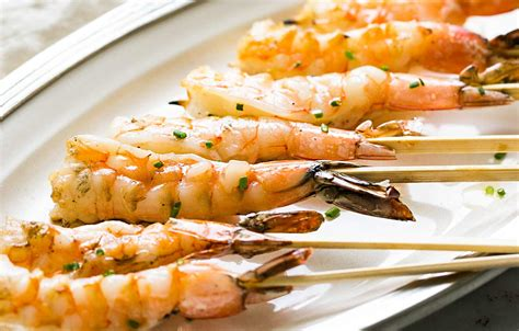 grilled garlic shrimp skewers recipe simplyrecipes com
