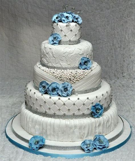 Wedding Cake Quilting by Vintage Wedding Cake With Lace Quilting Drapes And