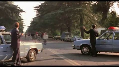 E T Bike Chase Scene by Spielberg Destroys Tension On E T Bike Chase Youtube