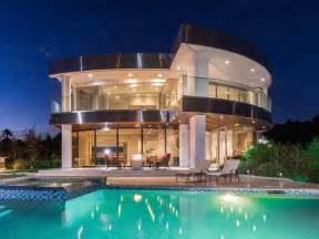 mansion homes airbnb for mansions makes it easy to live like a millionaire for a weekend business insider