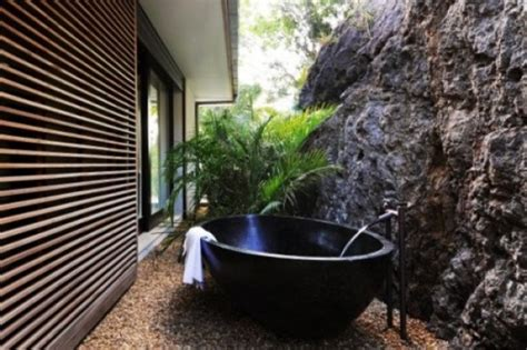 Outdoor Bathtub by 45 Outdoor Bathroom Designs That You Gonna Love Digsdigs