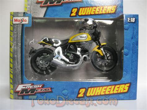 Miniatur Diecast Motor Ducati St4s jual miniatur motor klasik ducati scrambler diecast
