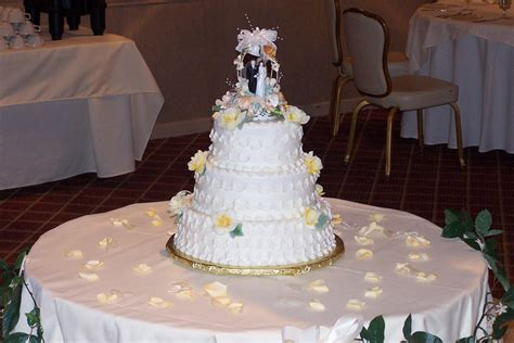 Photos: Custom Wedding Cakes and Designer Specialty Cakes