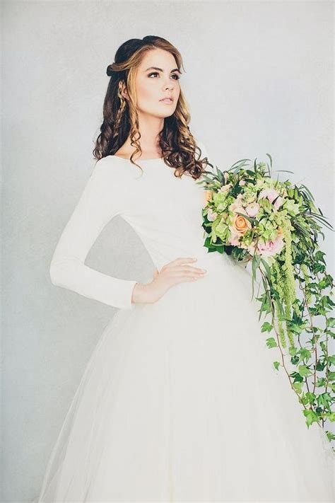 34 Long Sleeve Wedding Dresses For Fall And Winter