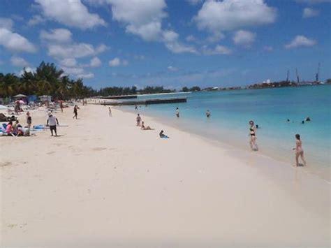 the tiki hut junkanoo nassau bahamas