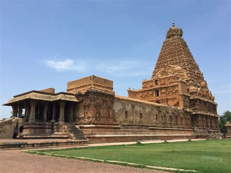 temple of brihadeeswarar temple