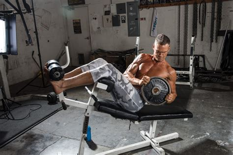 decline bench russian twist signature abs iron man magazine