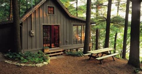 board and batten cabin http design conundrum blogspot com cabin pinterest