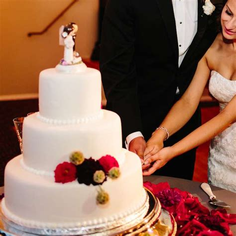 Wedding Anniversary Cake Cutting Song by Here Are The Best Ideas To Choose Ones Wedding Cake