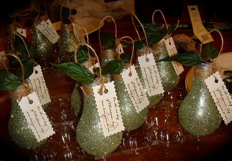 cara membuat hiasan natal dari botol bekas hiasan natal dari barang bekas daur ulang journal lamudi
